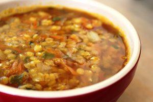 מרק עדשים טבעוני וטעים
